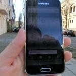 Blick auf das Smartphone: Secondhandguide im Praxistest